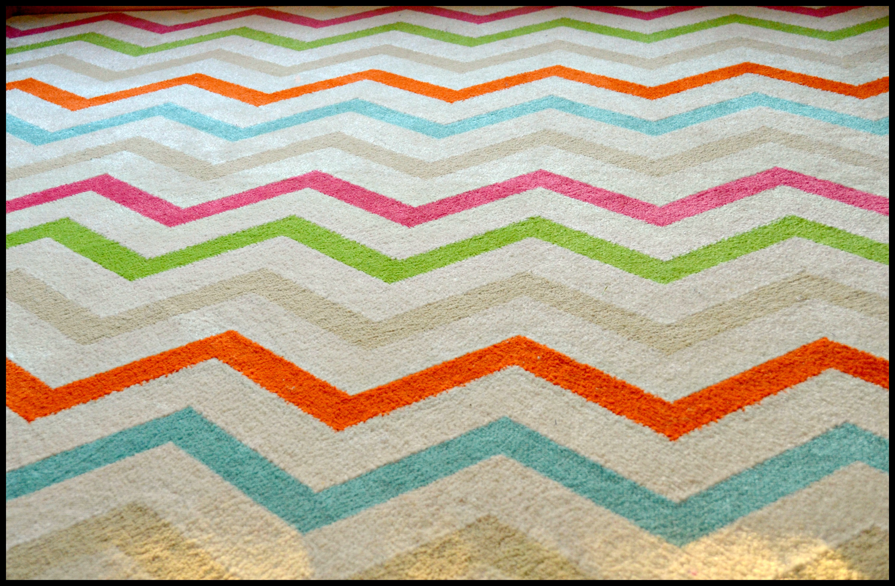 Brighten Up a Room With A New Rug: Mohawk Rug Review #ilovemymohawkrug