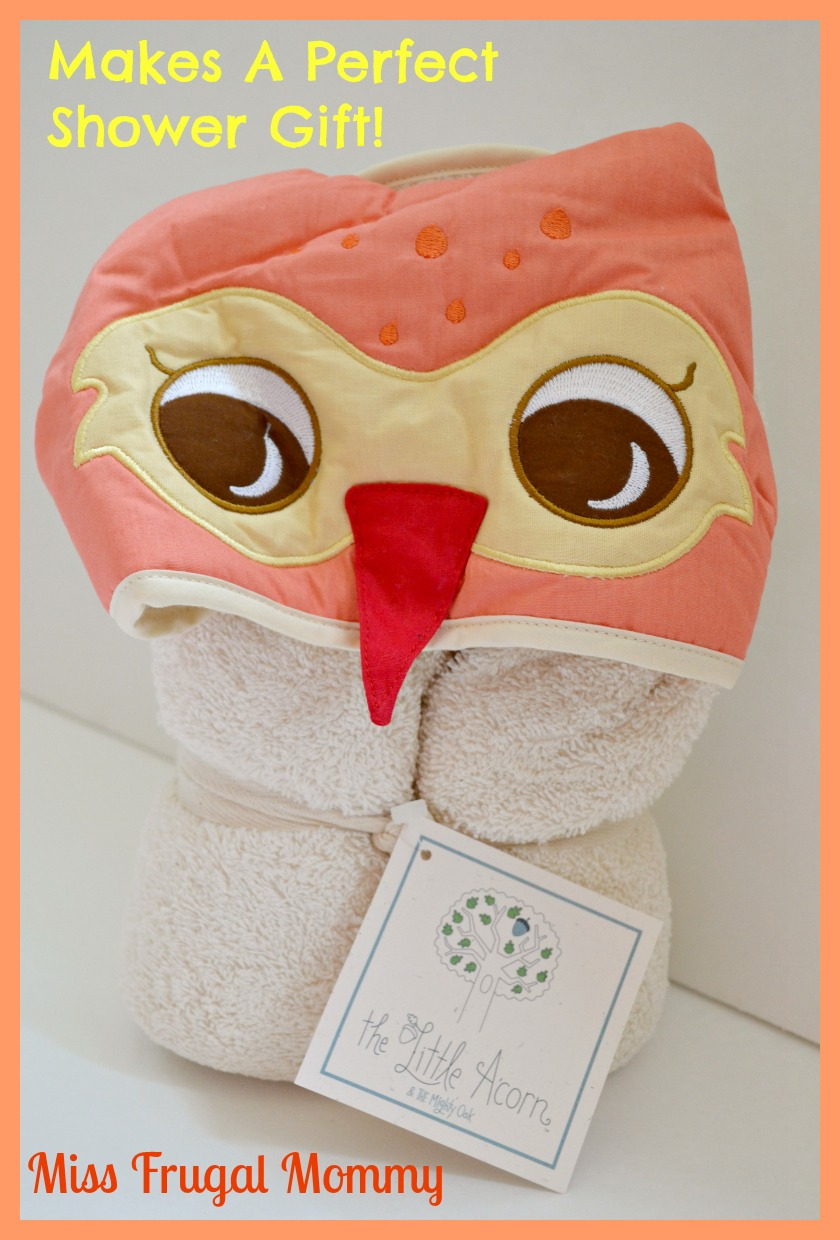 The Little Acorn: Owl Bath Wrap Review (Getting Ready For Baby Gift Guide)