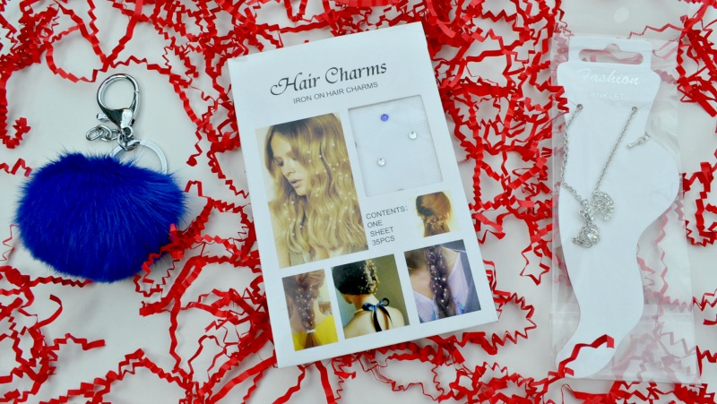 A Monthly Subscription Box Of Fun For Fashionistas In Training