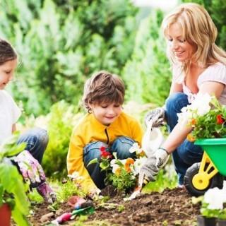 10 Ways to Make Yard Work Fun For Kids
