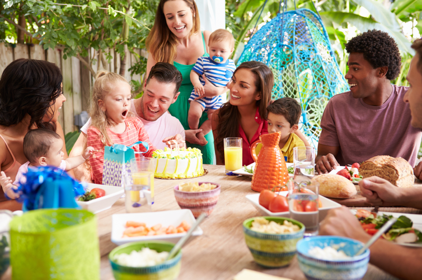 Top Tips For Surviving Family Gatherings With Kids