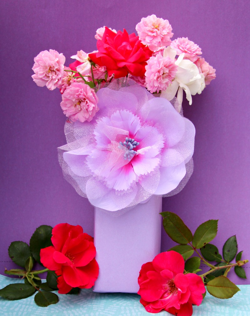 DIY Cardboard Flower Vase: Upcycling