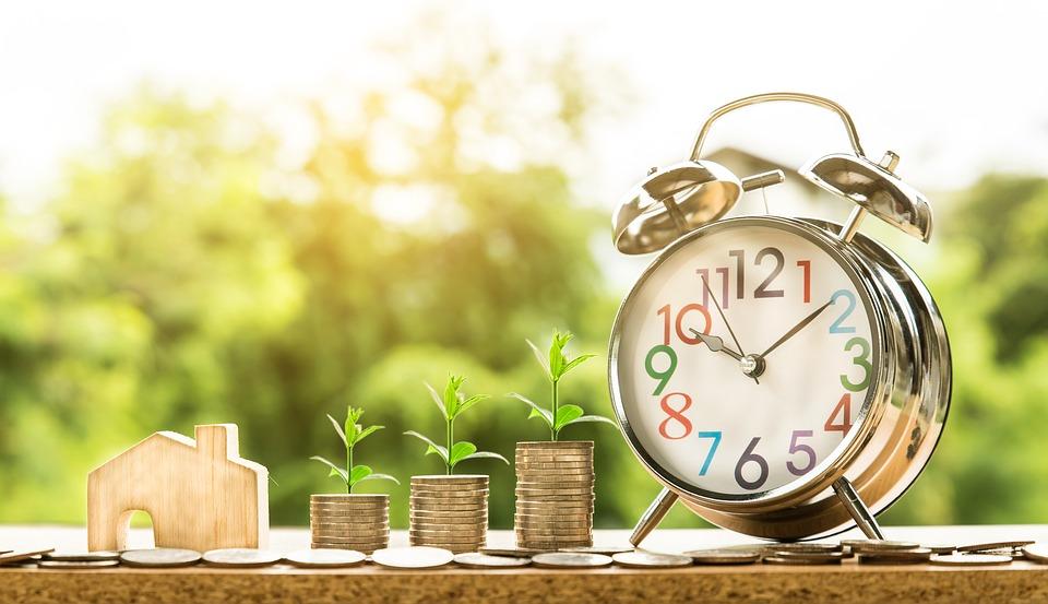 Saving Money While You Borrow