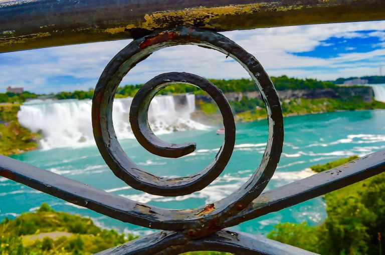 Family Travel Bucket List: Niagara Falls