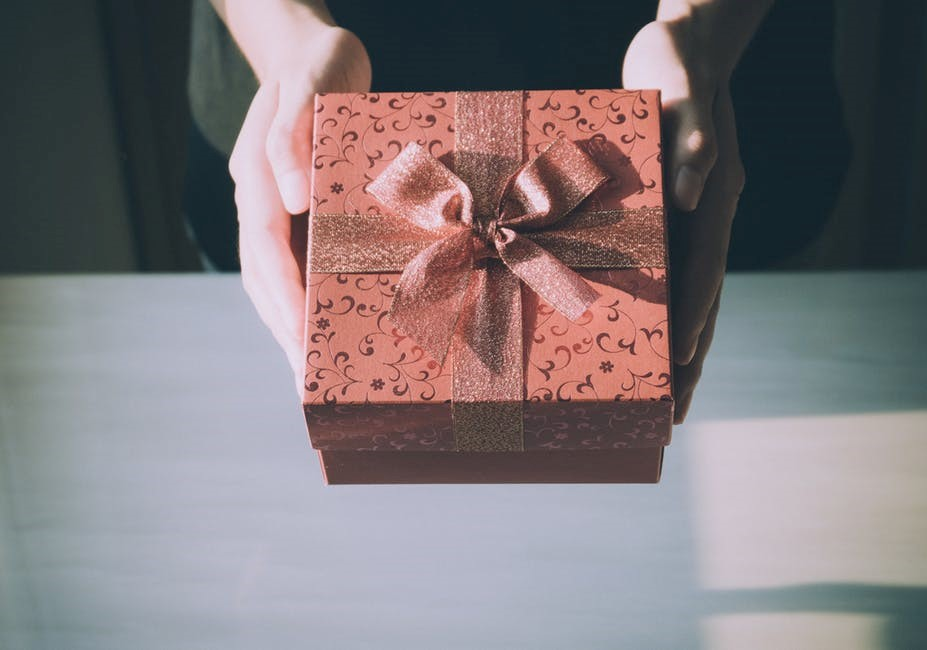 Four Unique and Thoughtful Anniversary Gift Ideas