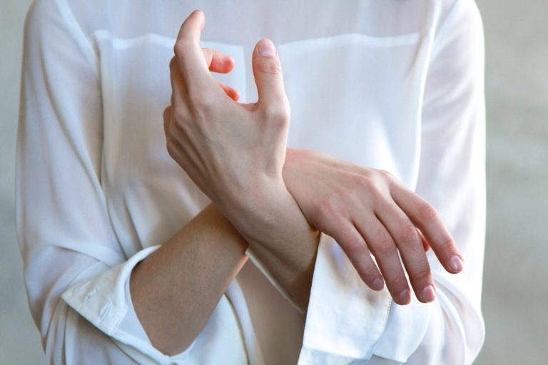 5 Home Remedies For Nerve Pain In Hands