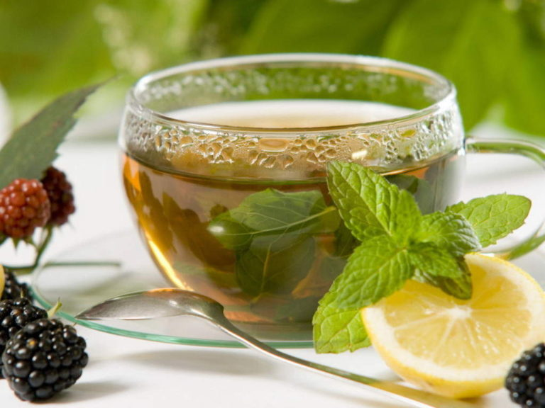 What Are The Benefits Of Drinking Lemon Balm Tea?