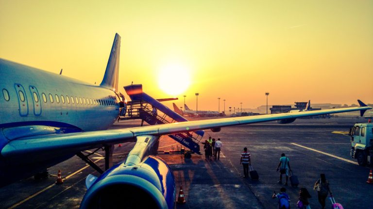 5 Easy Tips For Boarding Your Flight Faster