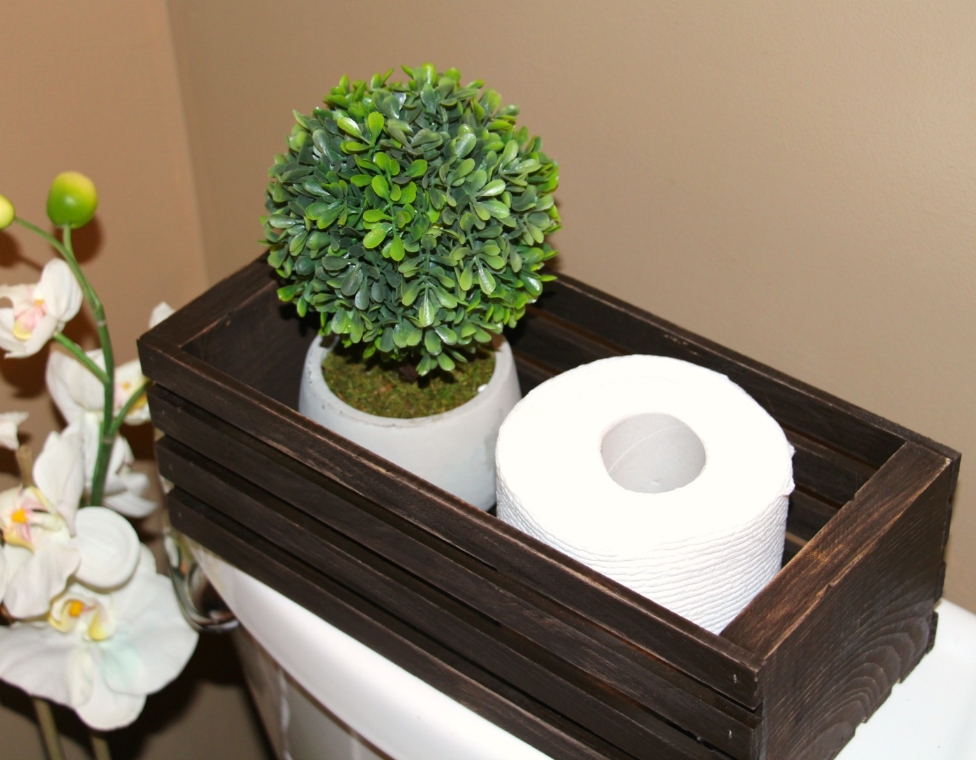 DIY Rustic Toilet Paper Holder