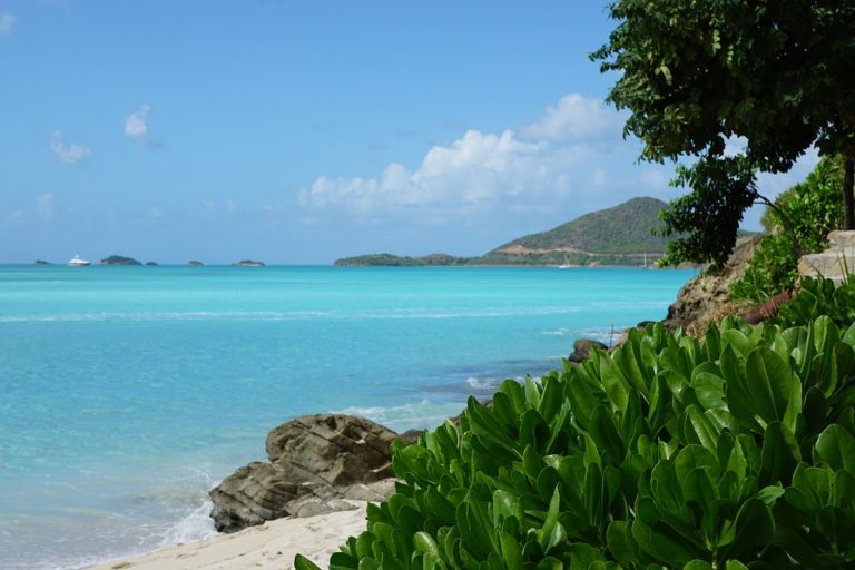 4 First-Time Tips for Travelers to Antigua and Barbuda