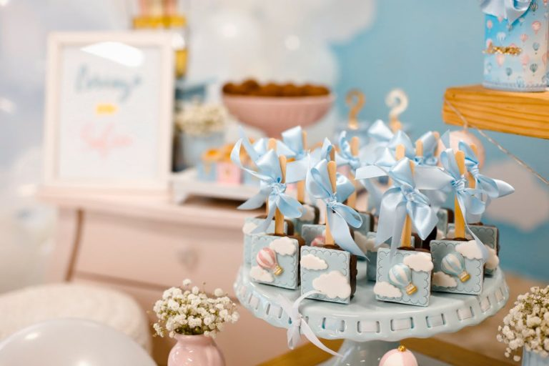It's Baby Shower Time! 4 Things to Splurge on & 4 Ways to Save
