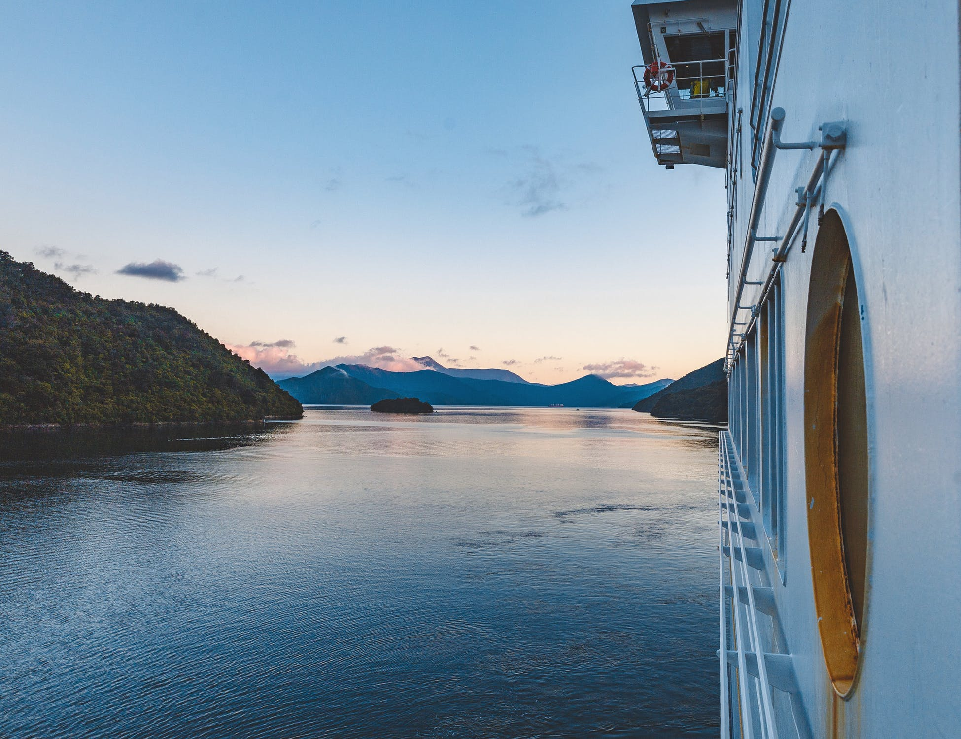 How To Sail The Seven Seas Without The Upfront Cost