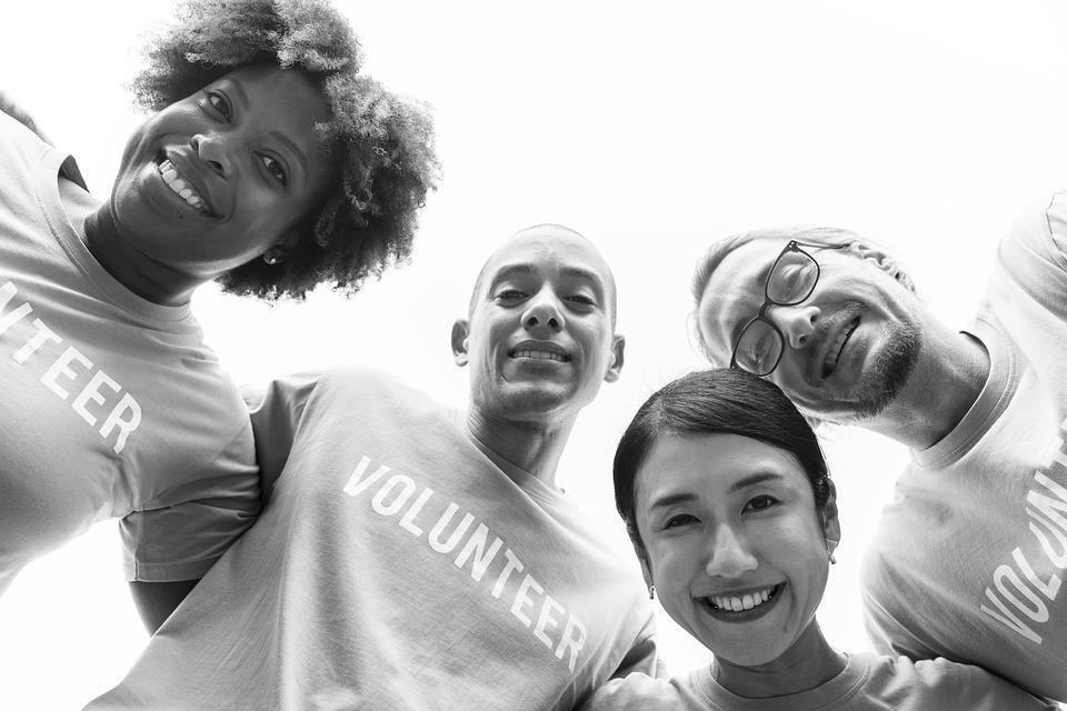 5 Reasons Interns Should Volunteer This Holiday Season