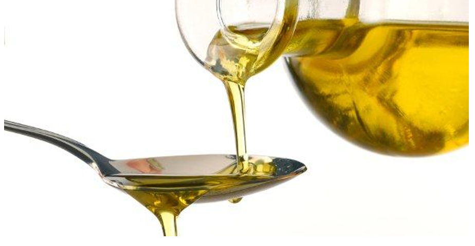 Top 5 Benefits of Adding MCT Oil Into Your Daily Meal Routine