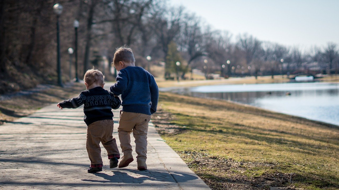 How to Instill Healthy Tendencies in Your Toddler