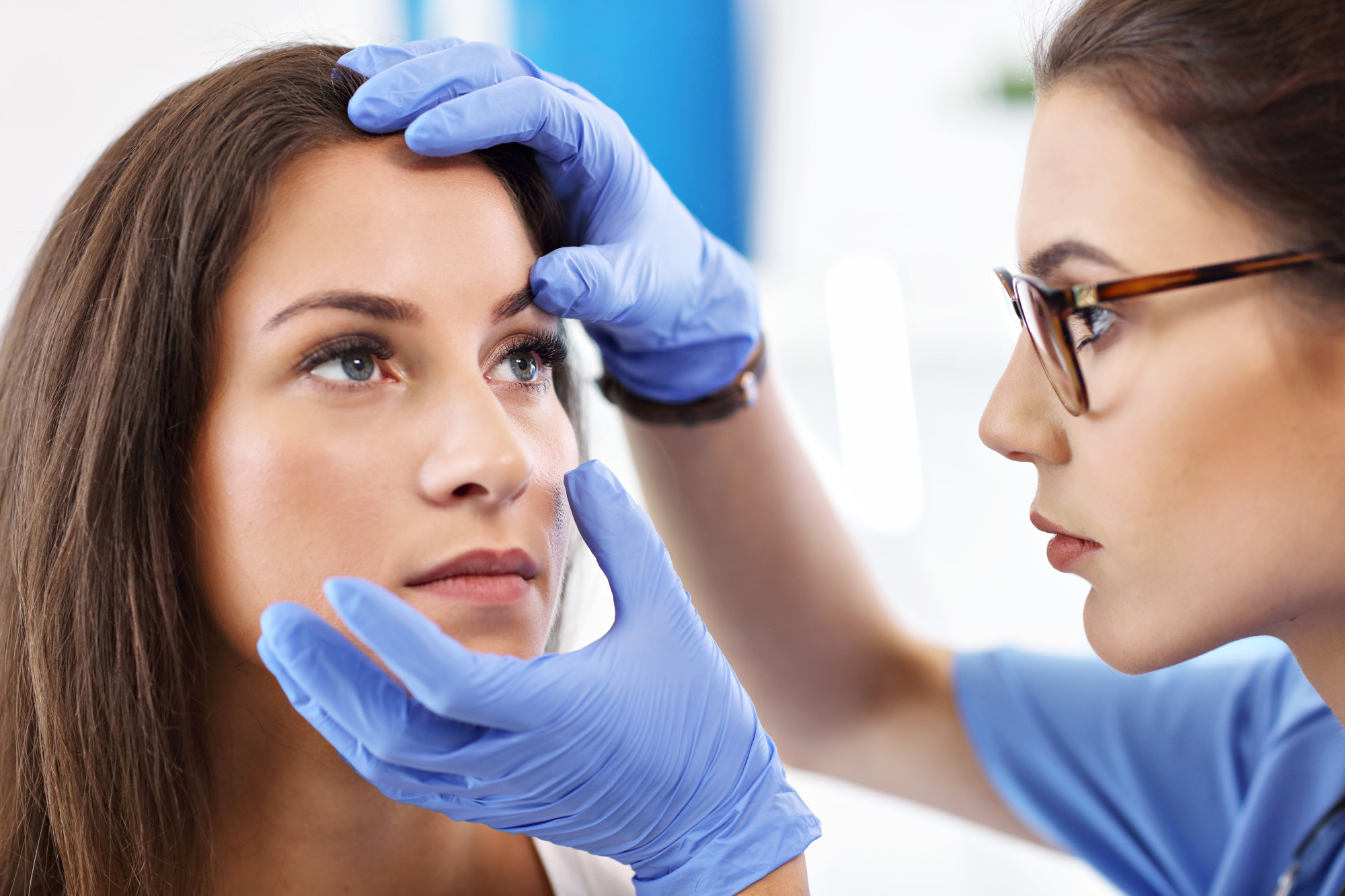When Should I See an Ophthalmologist 6 Signs You Need an Eye Exam