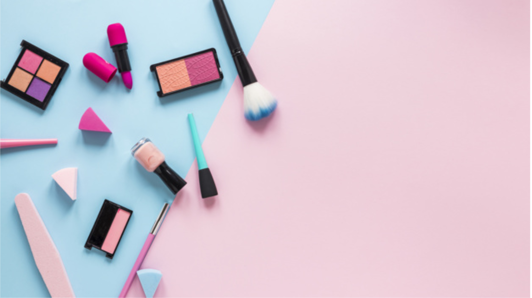 Helpful Hacks to Organize Your Makeup Table