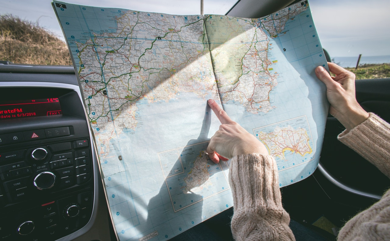 7 Easy Ways To Enjoy a Frugal Road Trip