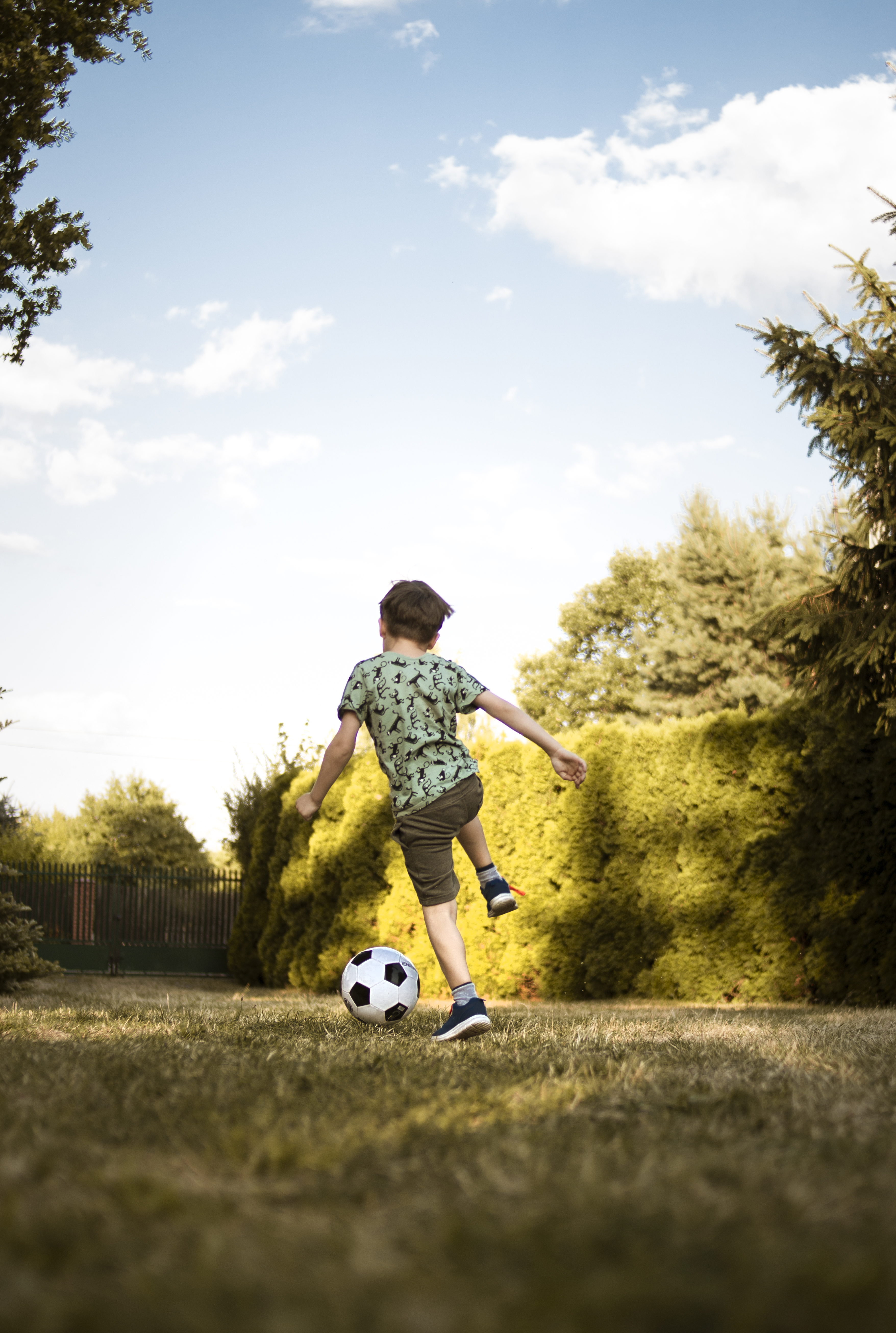 5 Tips for Helping Your Kids Embrace Sports (the Healthy Way)
