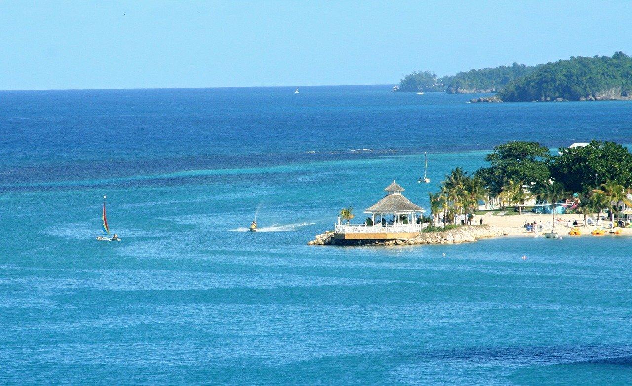 Island Vibes: 5 Jamaican Vacay Hotspots