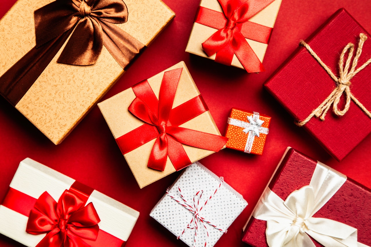 Inexpensive Gift Ideas That Even Your Wallet Will Love!