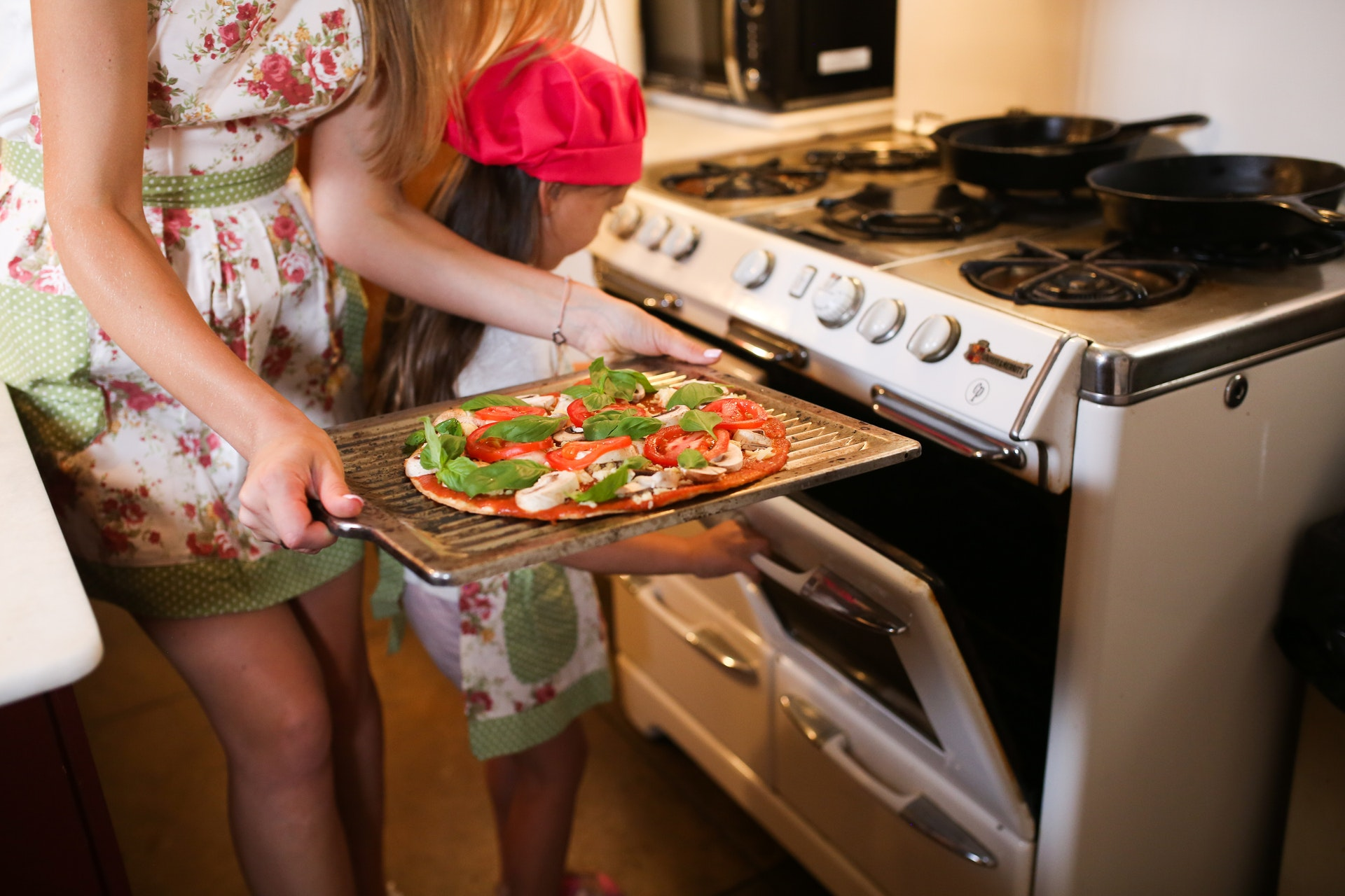 Easy Recipe Ideas to Make This Summer in Your Alfresco Pizza Oven