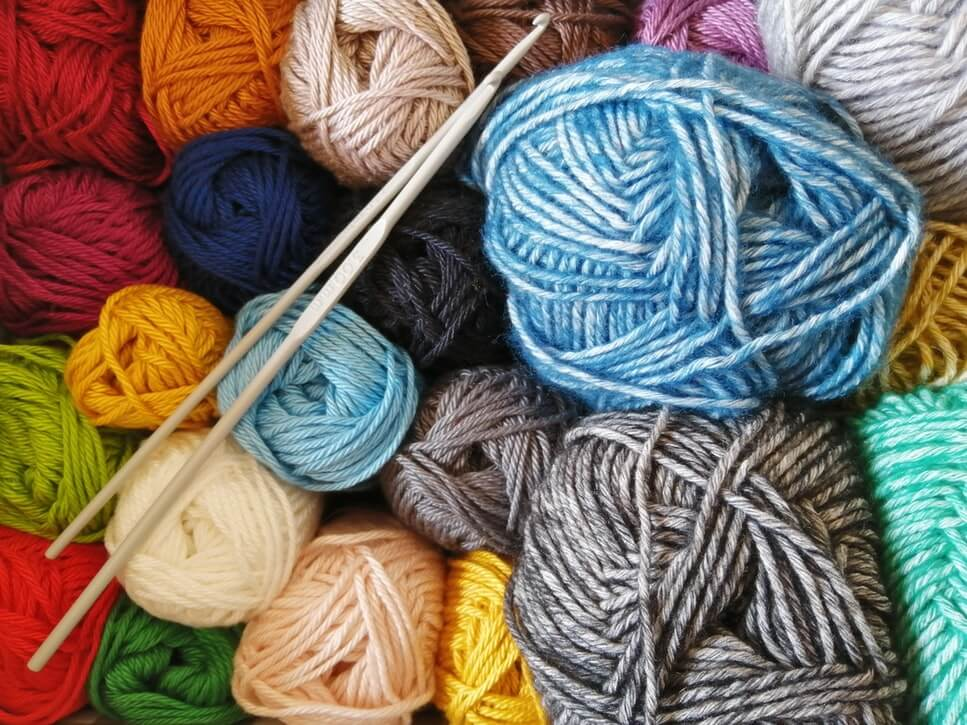 Easy Knitting Patterns & Projects for Beginners