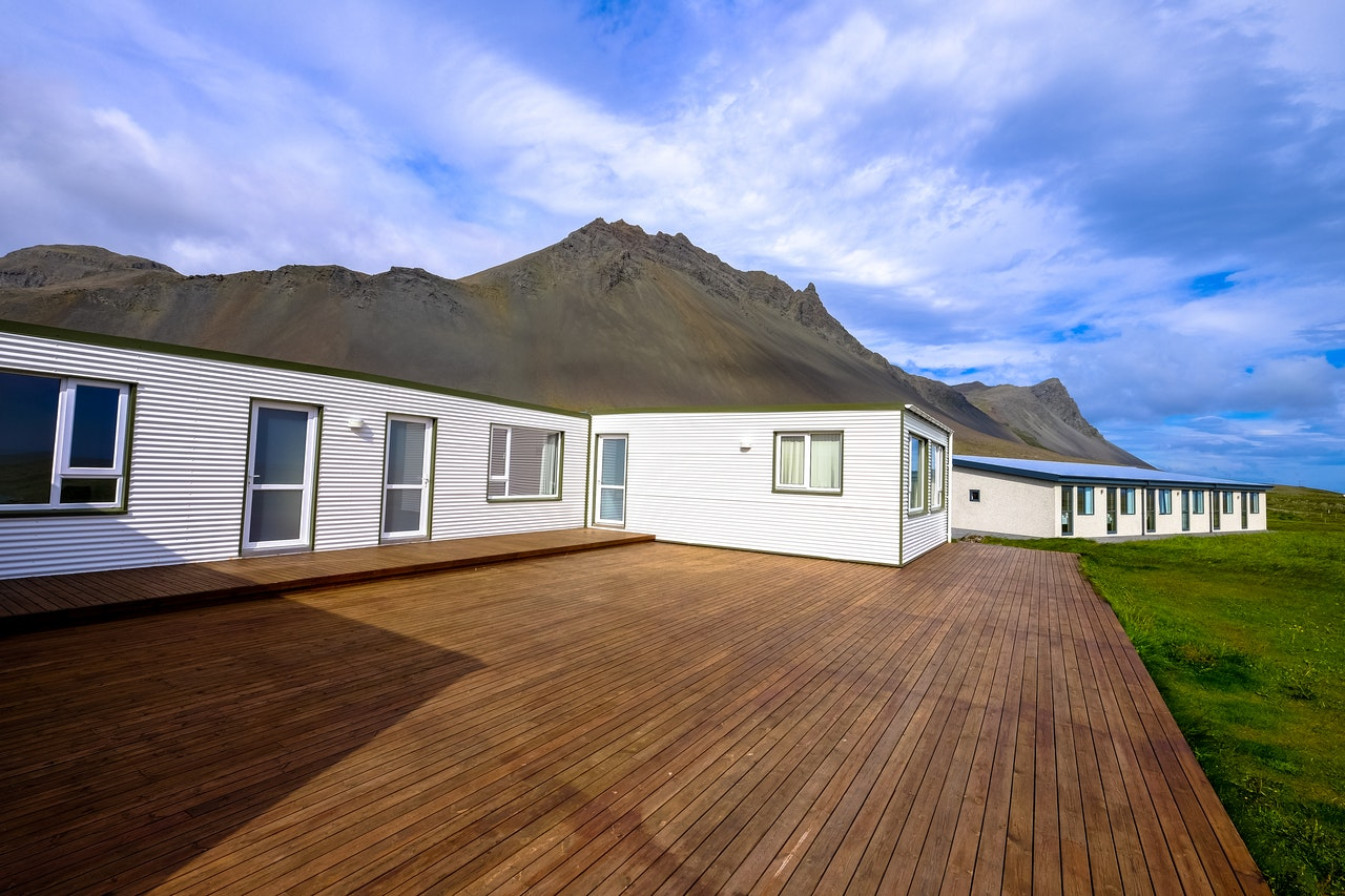 8 Tips for Building Luxurious Decking on a Budget
