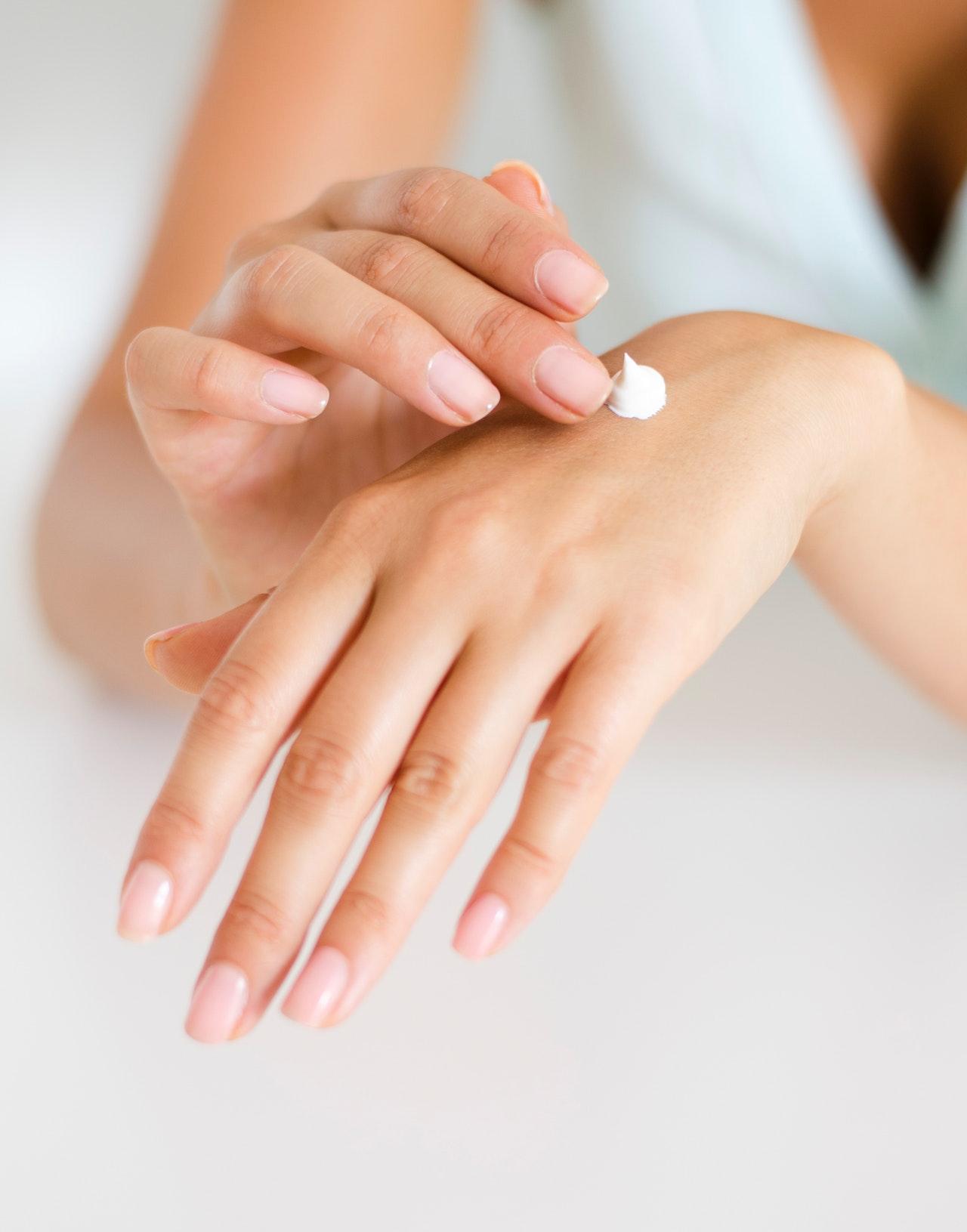 Six Fabulous Ways To Treat Dry Skin