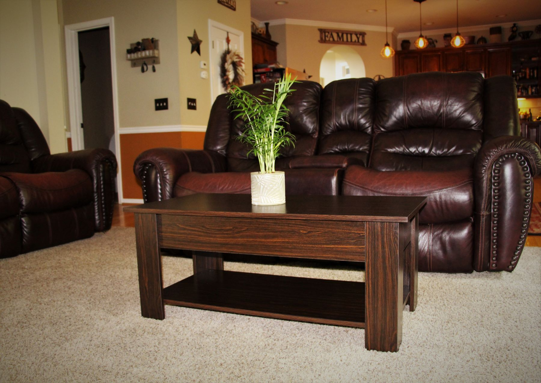 A Review of the Yaheetech Lift Top Coffee Table