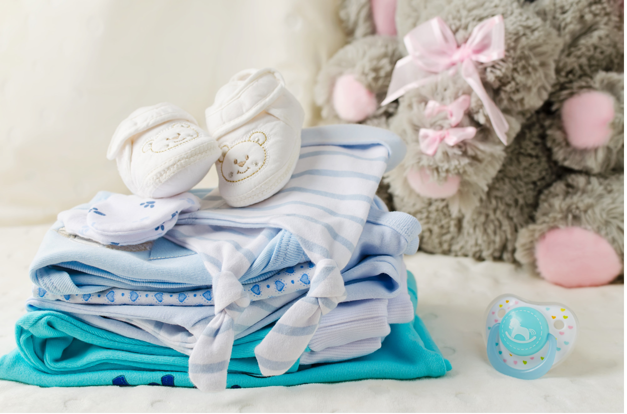 Newborn Clothes: The Essentials Needed for the First 6 Weeks