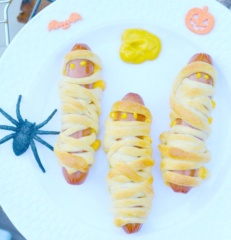 Mummy Dogs: A Simple & Spooky Halloween Recipe